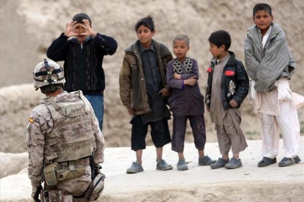 patrulla-conjunta-de-La-Legion-y-el-ANA-ejercito-de-Afganistan-en-la-localidad-de-Moqur-en-Afganistan-.David-Castro
